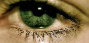 Слезится один глаз